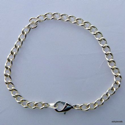Charm bracelet Silver plated. Lobster clasp